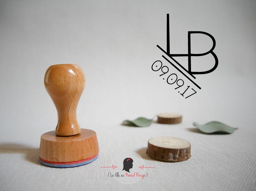 Tampon bois sur-mesure carré logo marié minimaliste