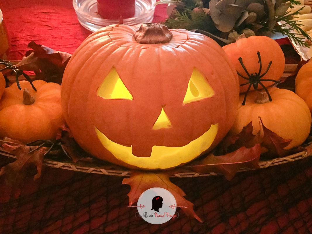 La fille au Noeud Rouge - papeterie sur-mesure Halloween 2017