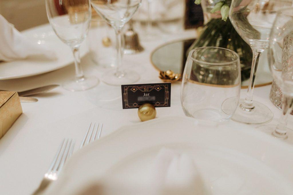 La fille au Noeud - décoration papeterie mariage bleu marine or doré art déco gatsby marque-place