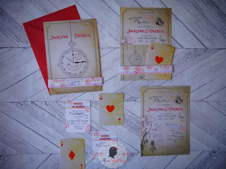 faire-part mariage sur-mesure Alice au pays des merveilles kraft couleurs pastel cartes de jeux vintage