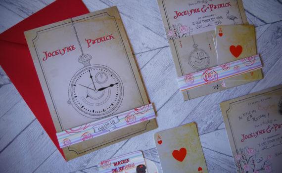 La fille au Noeud Rouge - Faire-part mariage sur-mesure alice au pays des merveilles vintage illustration couleurs pastel lapin carte à jouer montre nature
