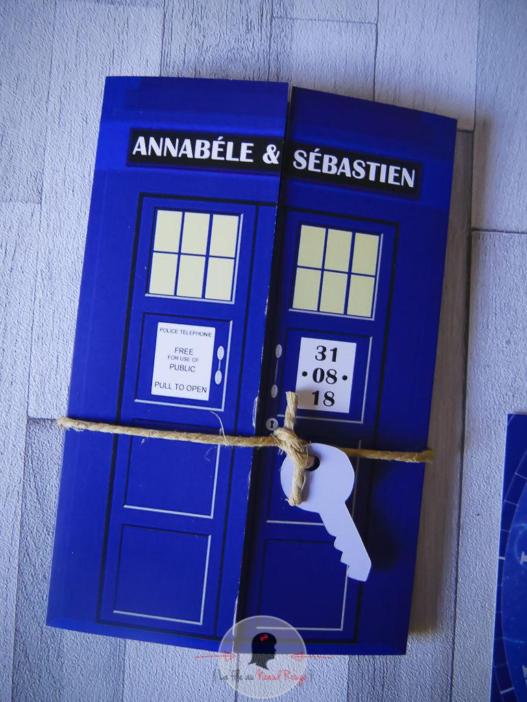 La fille au Noeud rouge - Faire-part sur-mesure mariage série tv doctor who bleu format fenêtre