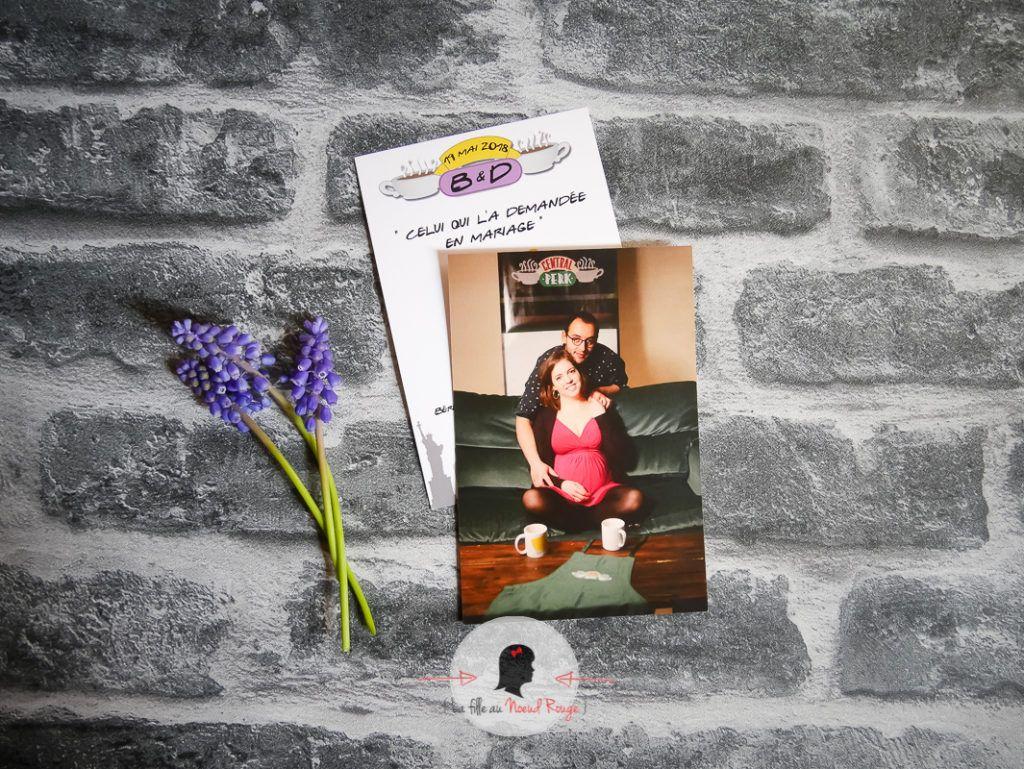 La fille au noeud rouge - Faire part mariage sur mesure save the date friends série tv