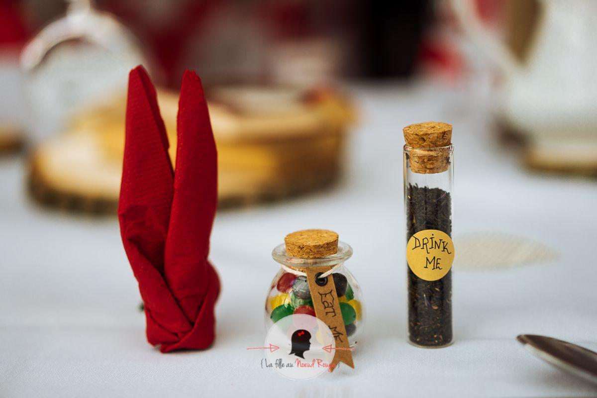 La fille au noeud rouge - Faire part sur mesure-mariage alice au pays des merveilles (16)