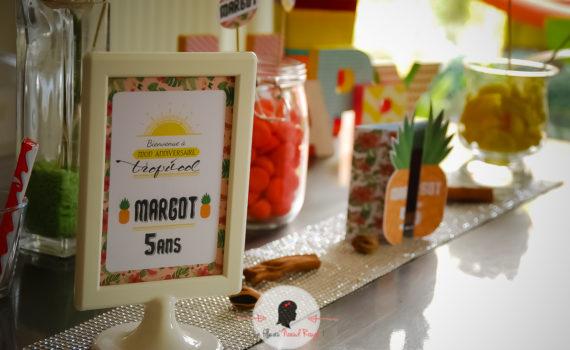 La fille au noeud rouge - invitation et décoration anniversaire tropical voyage ananas fleurs candy bar