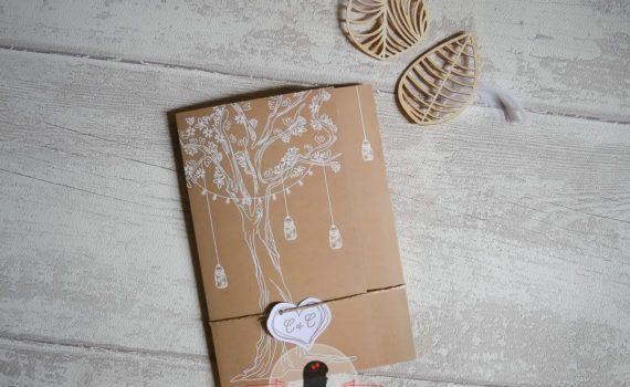 La fille au Noeud Rouge - faire-part mariage sur mesure nature arbre de vie kraft blanc bocaux mason jar guirlande fleurs dessins