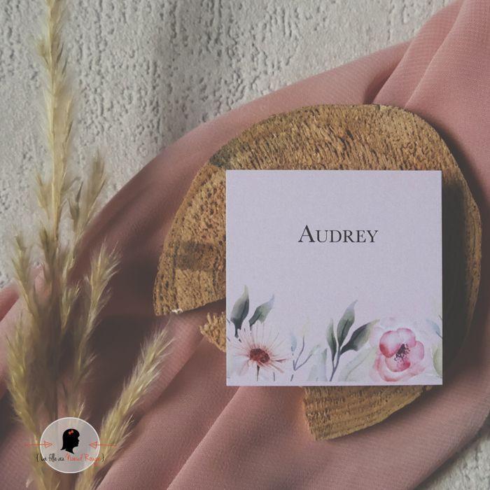 La fille au Noeud Rouge - Marque-place personnalisé carré mariage romantique nature fleurs