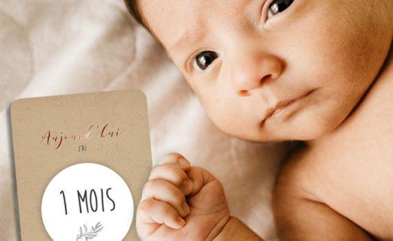 La fille au Noeud Rouge - carte étape bébé mois par mois kraft cuivré photo