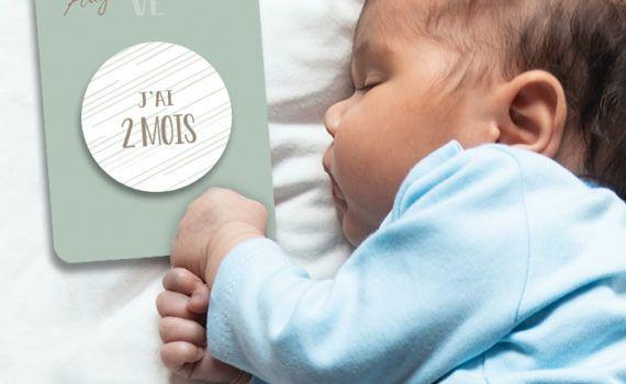La fille au Noeud Rouge - carte mois par mois bébé collection modern love photo