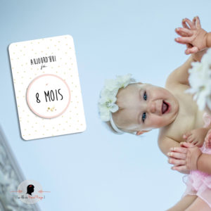 La fille au Noeud Rouge - carte mois par mois bébé collection naissance petits pois fleuris champêtre photo