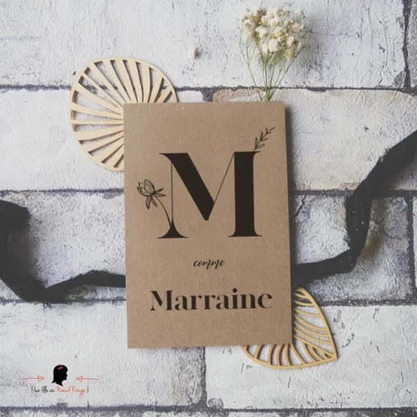 La fille au Noeud Rouge - Carte postale M comme Marraine