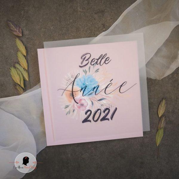 La fille au Noeud Rouge - Carte de voeux 2021 fleurs feuillage papier texturé papier claque photo
