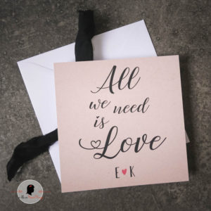 La fille au Noeud Rouge - Carte de la Saint Valentin kraft all we need is love