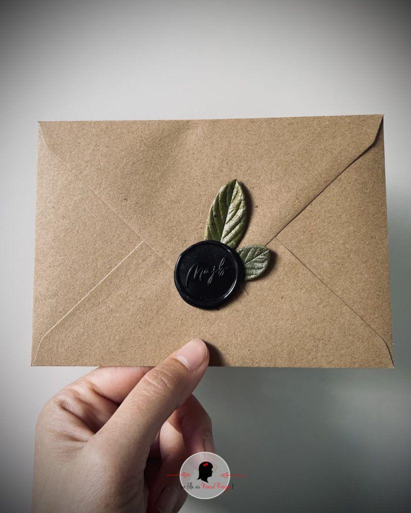 La fille au Noeud Rouge - Faire-part mariage sur-mesure minimaliste nature sceau personnalisé feuillage